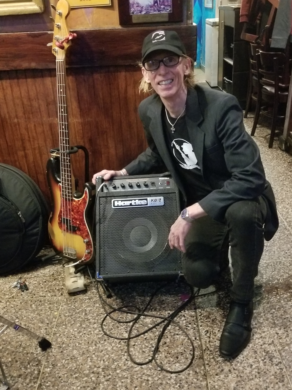 mike muller with his new hartke kickback 12 bass amp